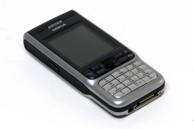 harga hp nokia. hp Nokia 3230 berwarna