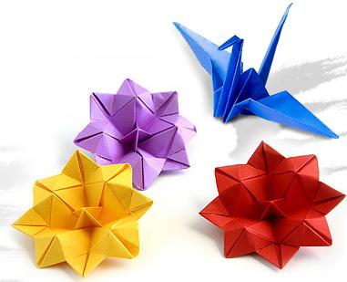 ... , kita suka belajar membuat pesawat terbang atau burung dari kertas