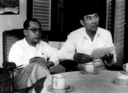 http://devry.files.wordpress.com/2008/07/soekarno_hatta_proklamator_bangsa_indonesia.jpg